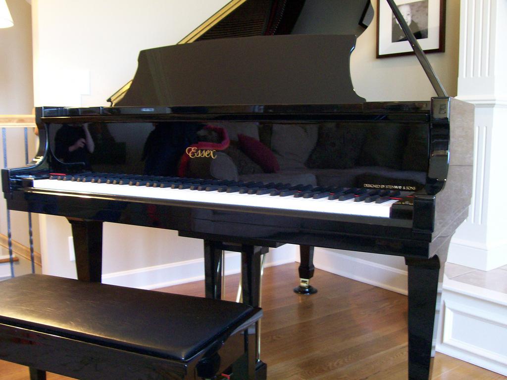 Пианино эссекс
