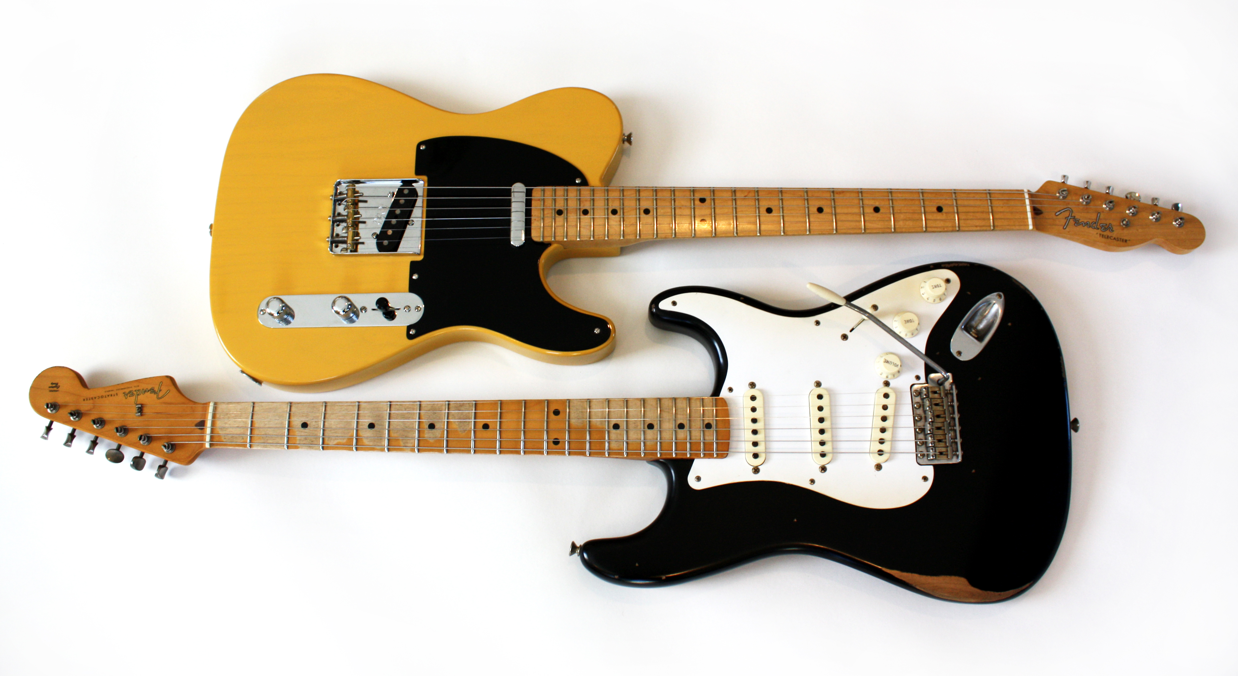 file fender 39 52 telecaster and fender road worn 50s relic stratocaster yin and yang 2009 02. Black Bedroom Furniture Sets. Home Design Ideas