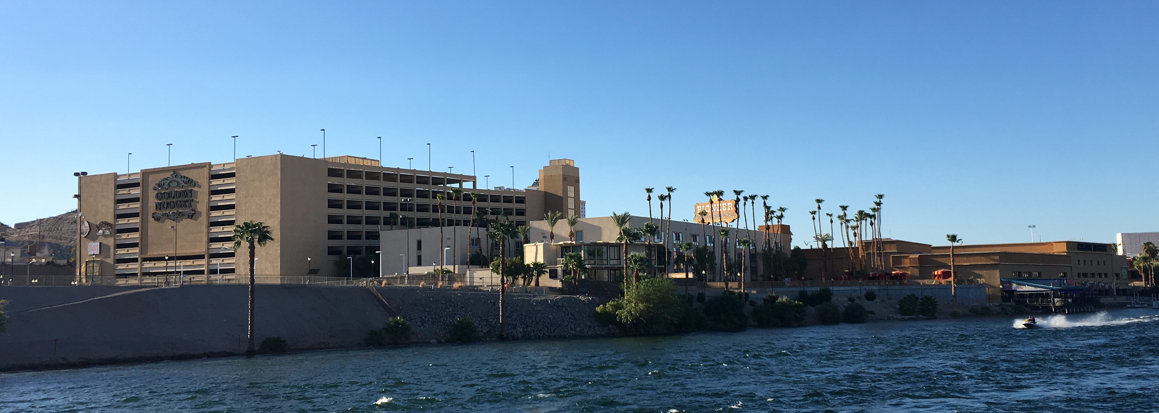 Golden Nugget Laughlin - Wikipedia on
