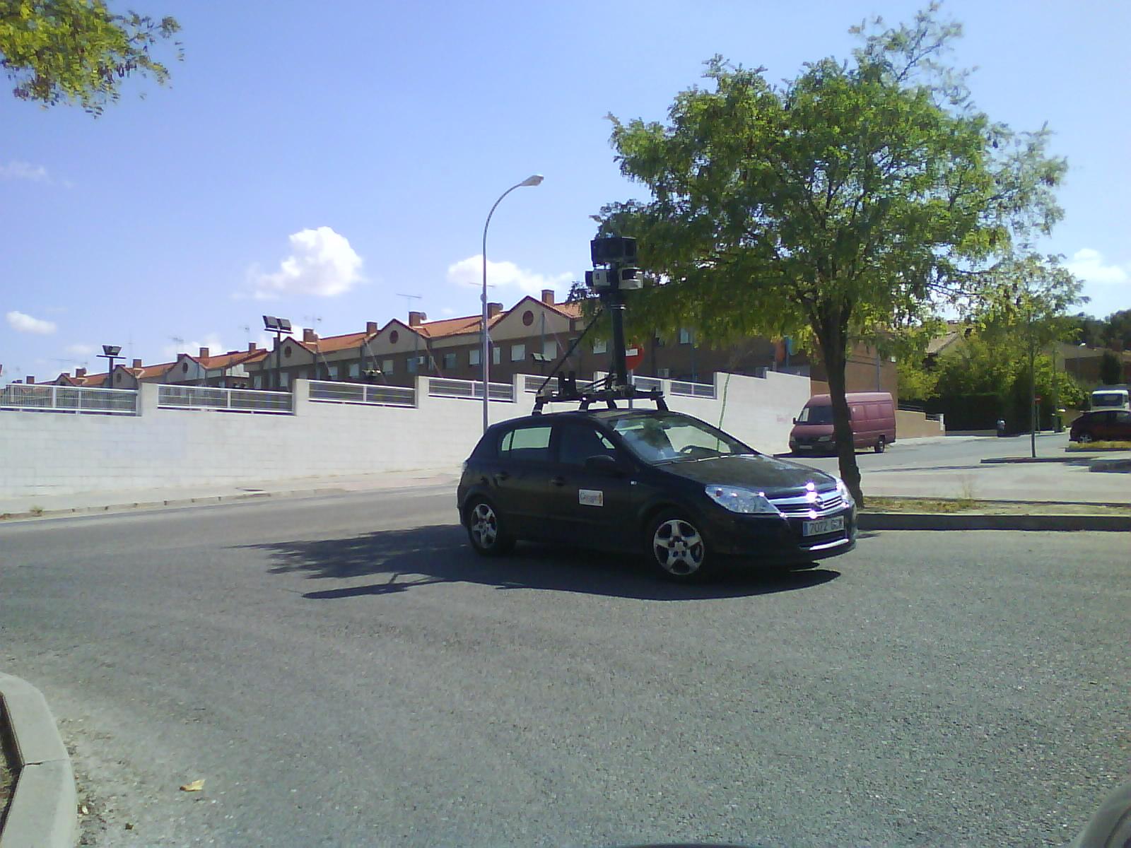File:Google Street View Car in Aranjuez.jpg - Wikimedia Commons