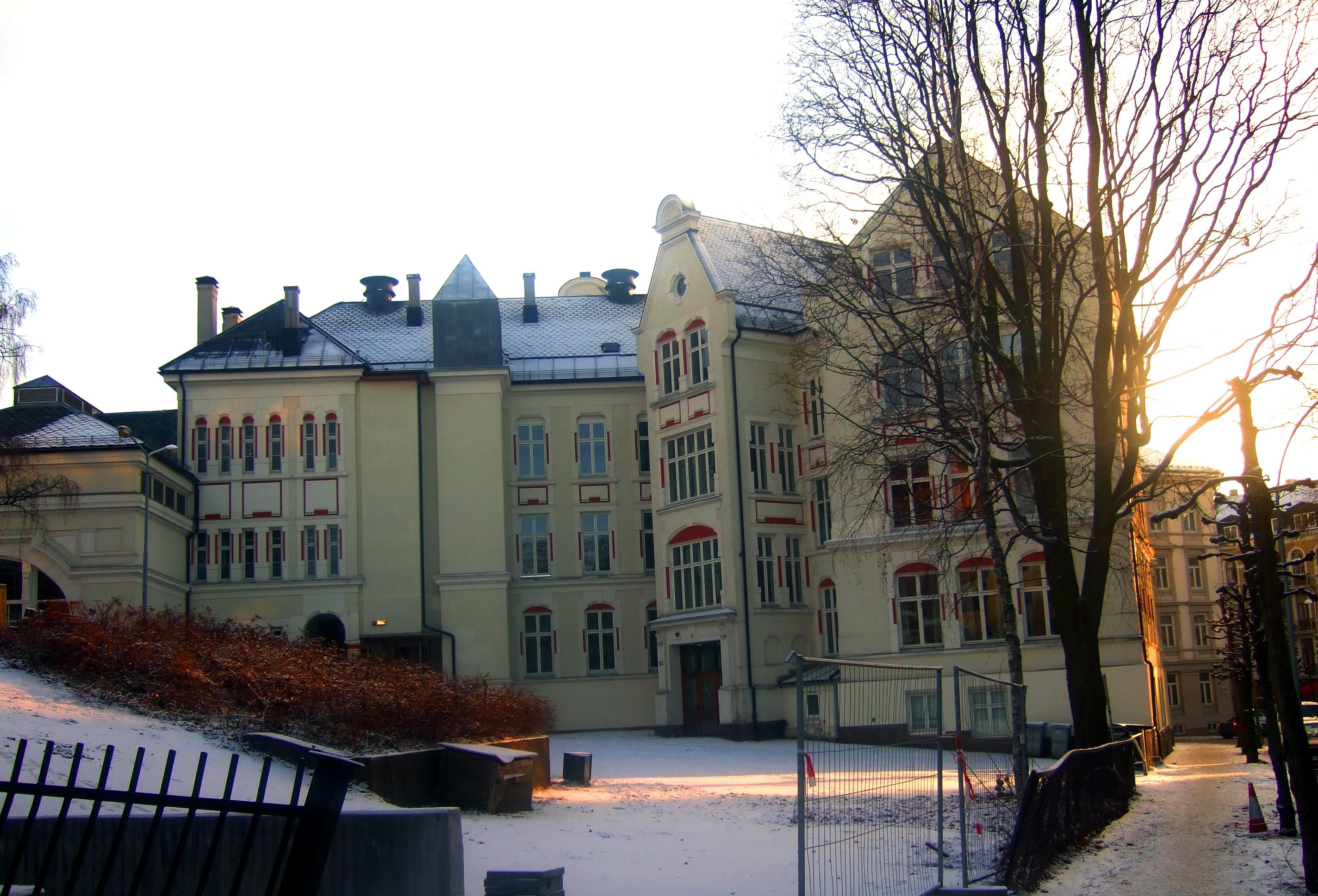 norsk nettside med ballkjoler Tønsberg