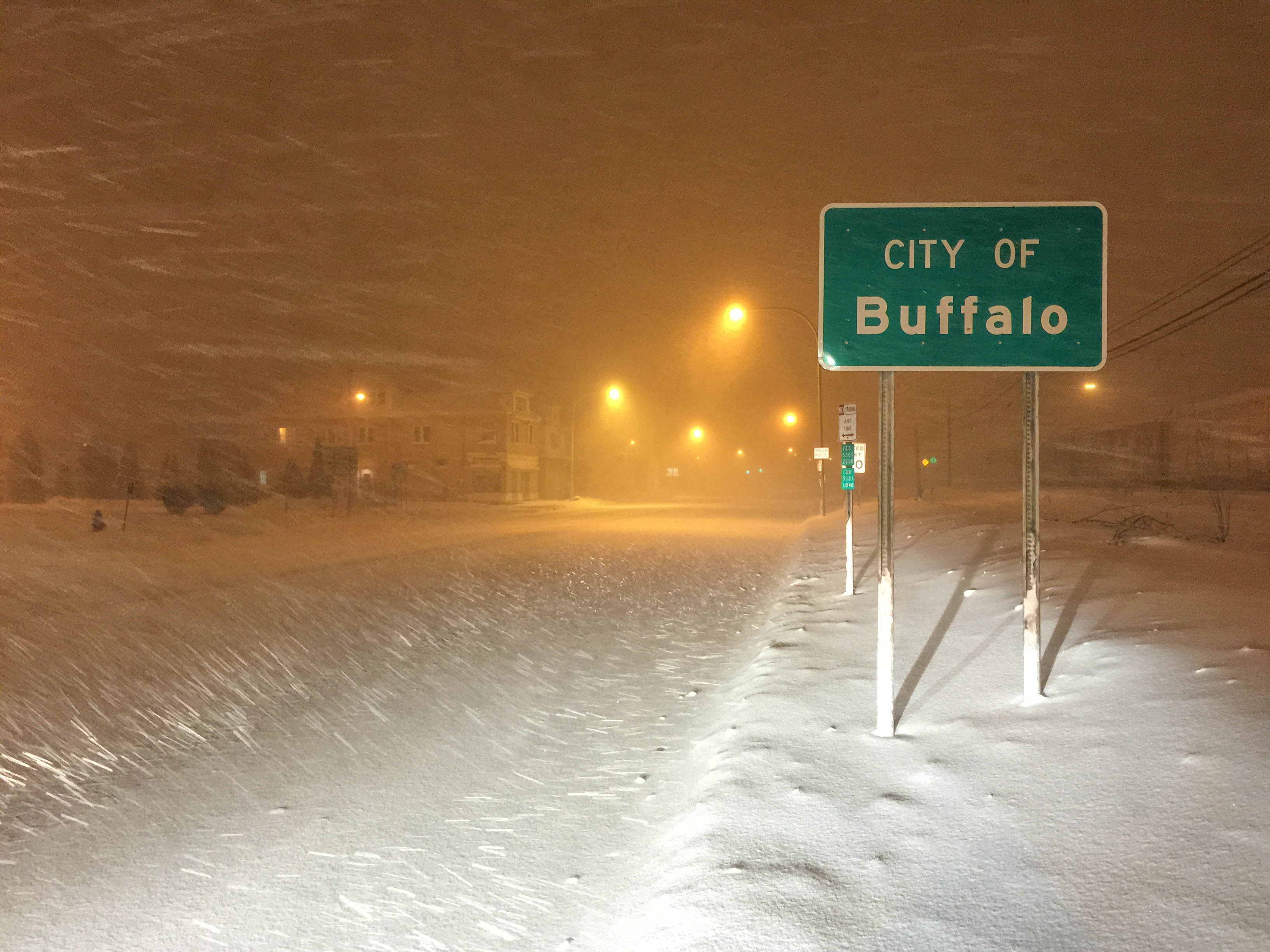 what is the time in buffalo new york