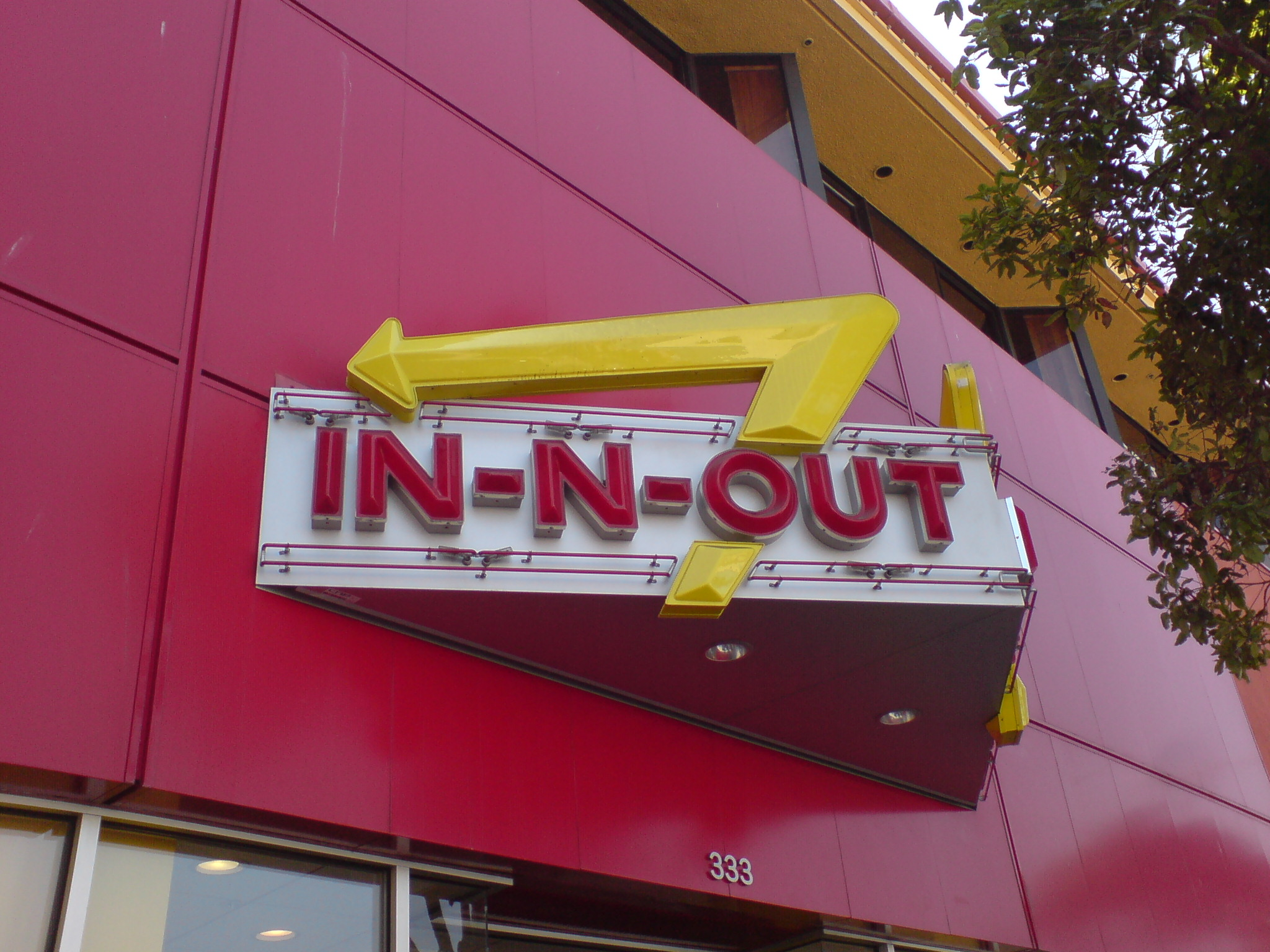 In-N-Out-Burger Sign San Francisco.jpg