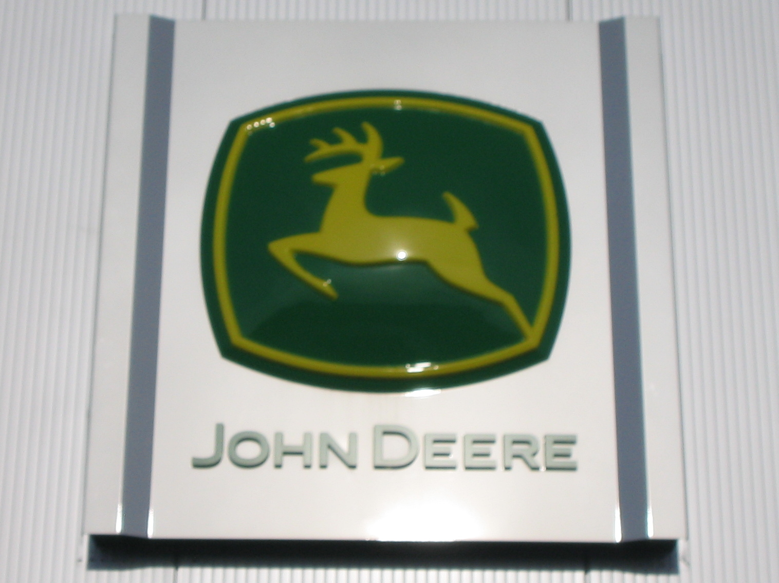 Description John Deere Logo 5567.jpg