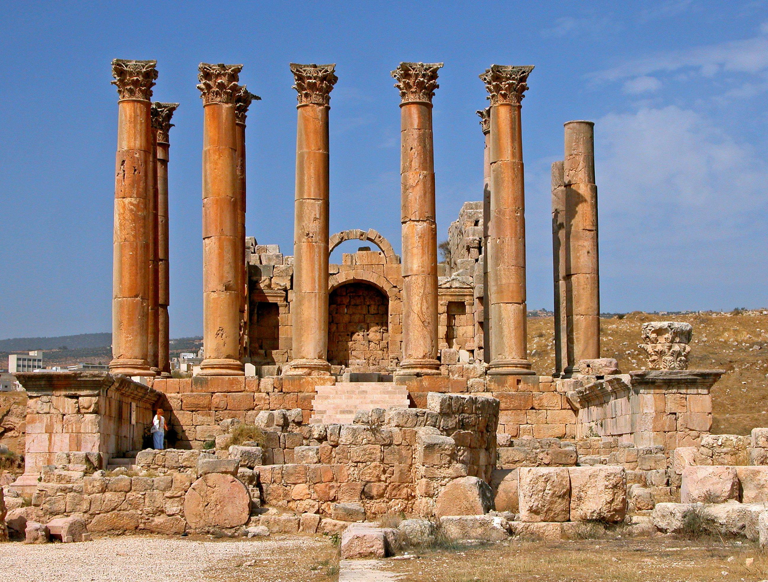 File:Jordan-16A-085 - Temple of Artemis.jpg - Wikimedia ...