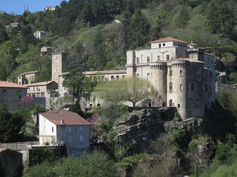 Château de Largentière — Wikipédia