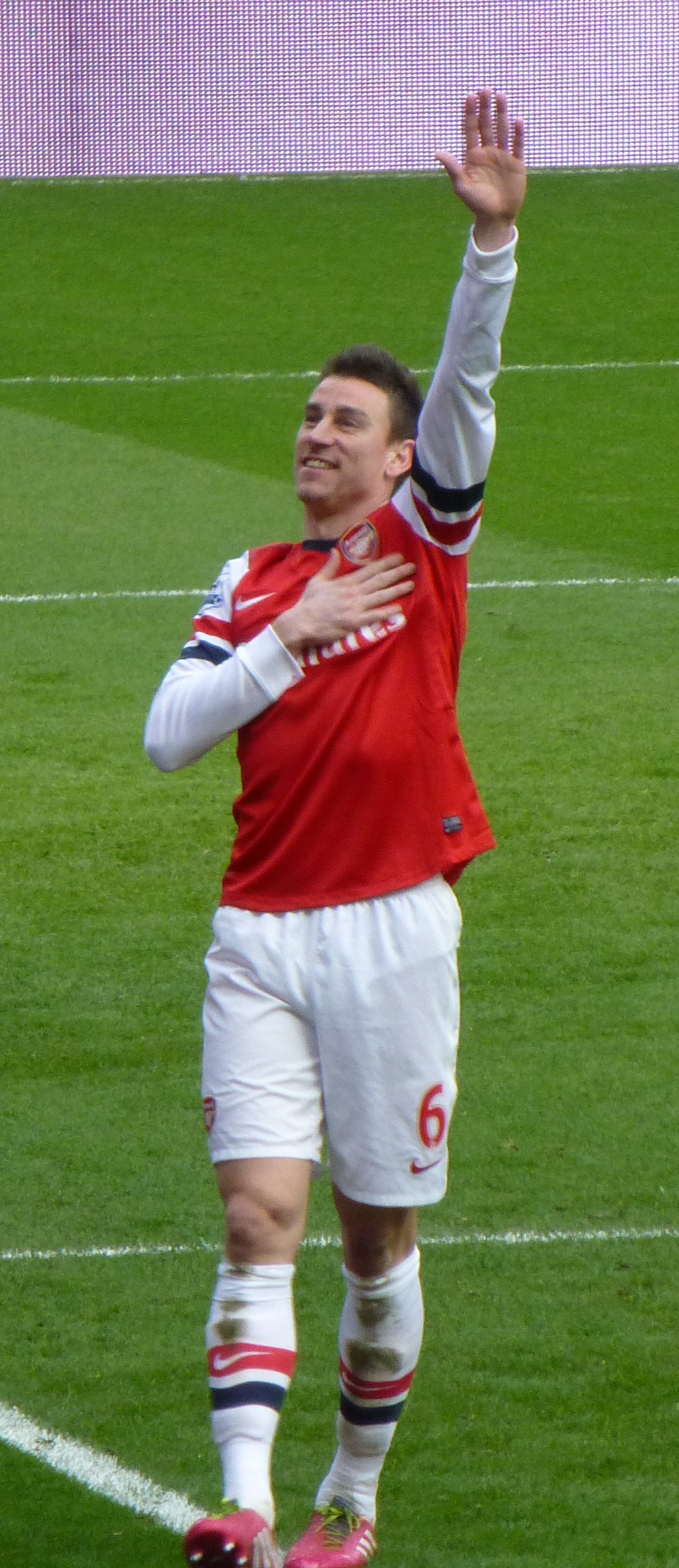 File Laurent Koscielny v Sunderland 22 Feb 2014 cropped