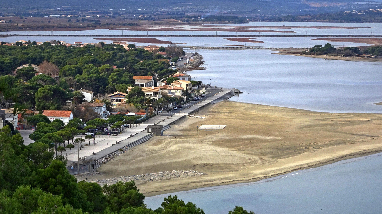 Franqui Plage fichier:leucate - la franqui - le village et la plage — wikipédia