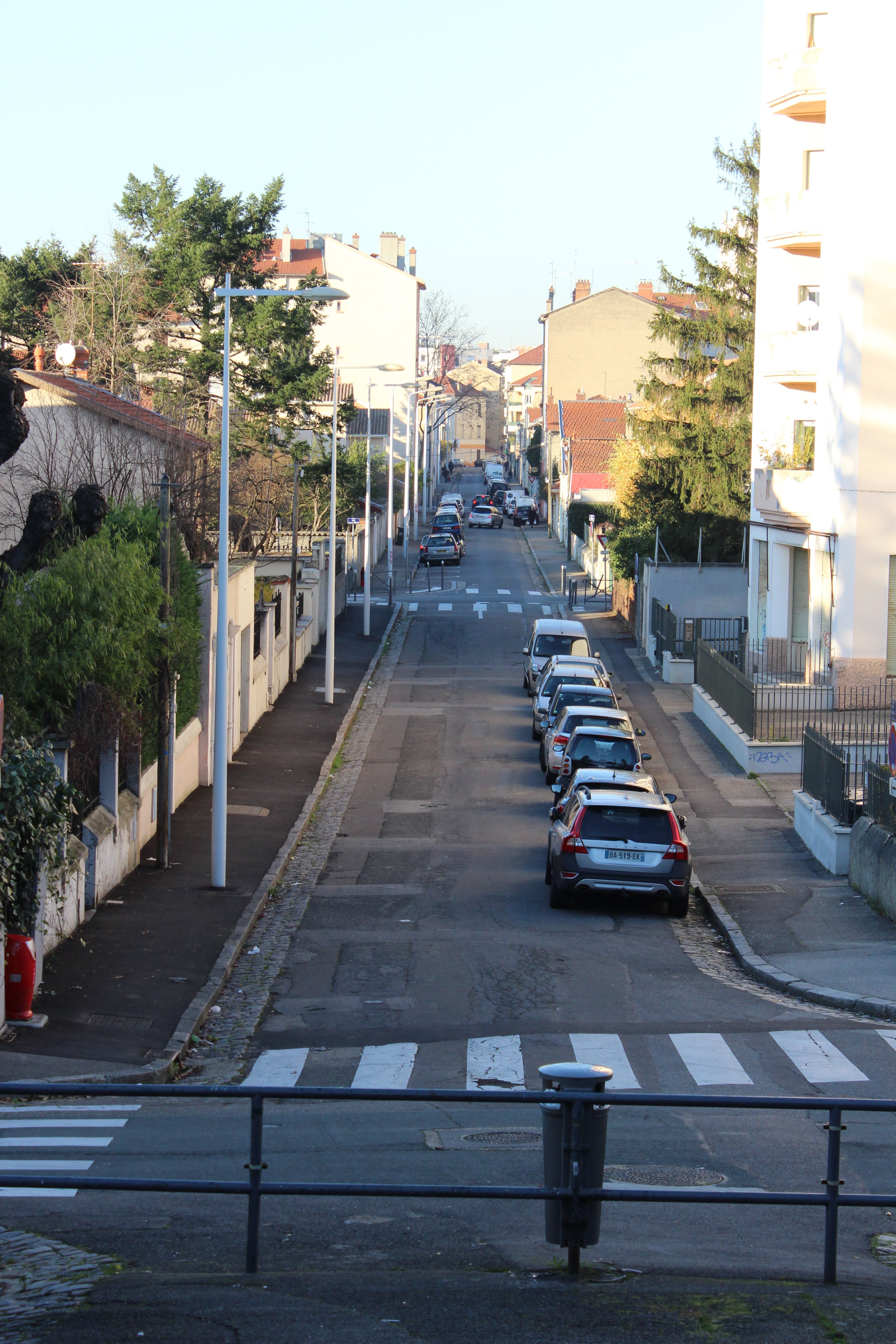 c4402740cee File Lyon 3e - Montchat - Rue Camille (début).JPG - Wikimedia Commons
