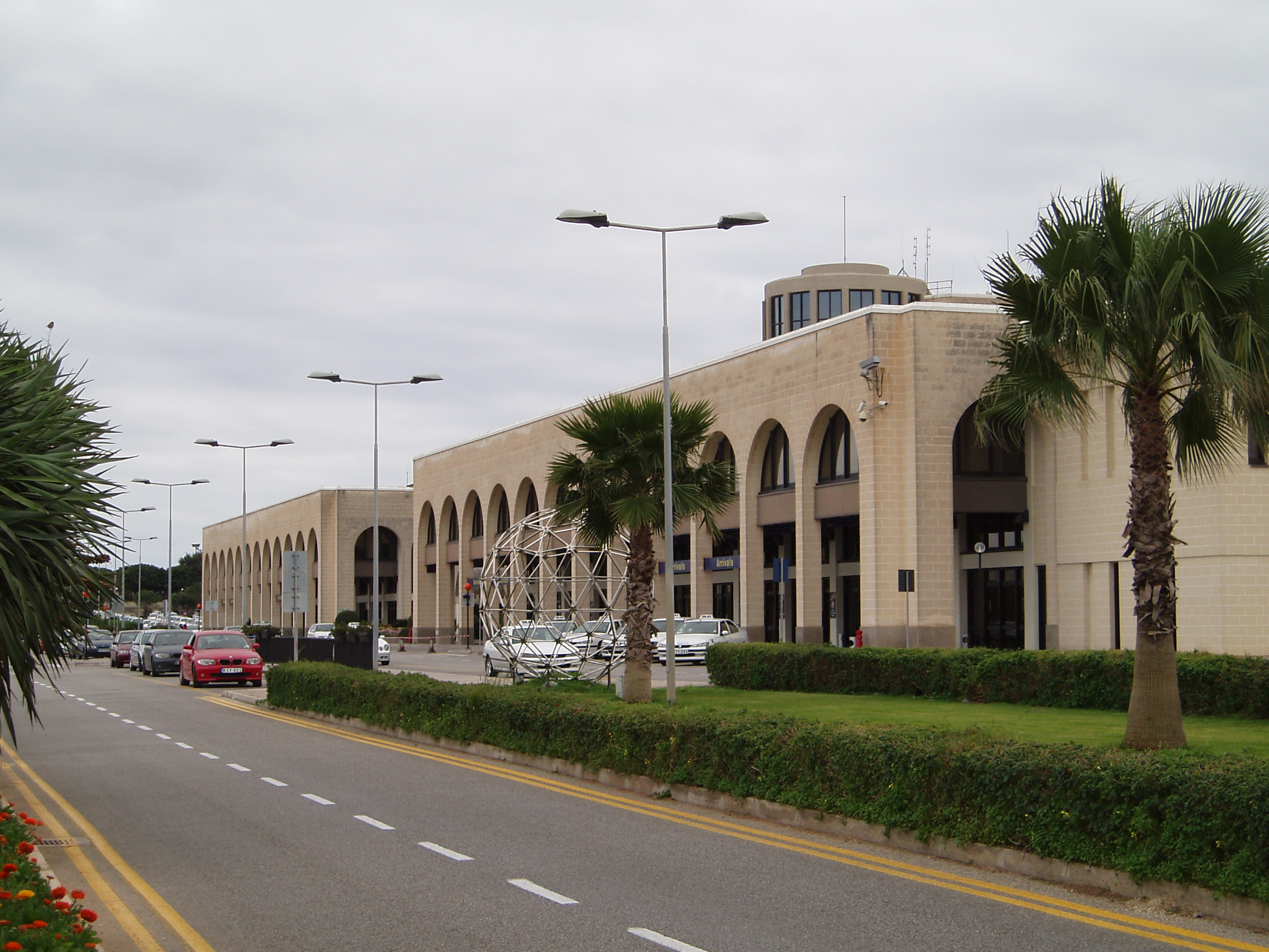 Malta International Airport - Wikipedia