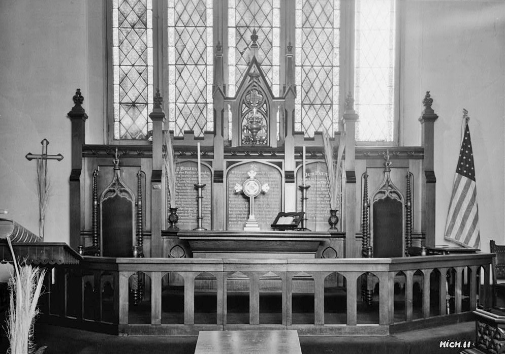 File:Mariners Church Altar 1936.jpg