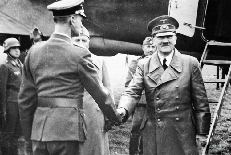 A comparison of benito mussolini and adolf hitler
