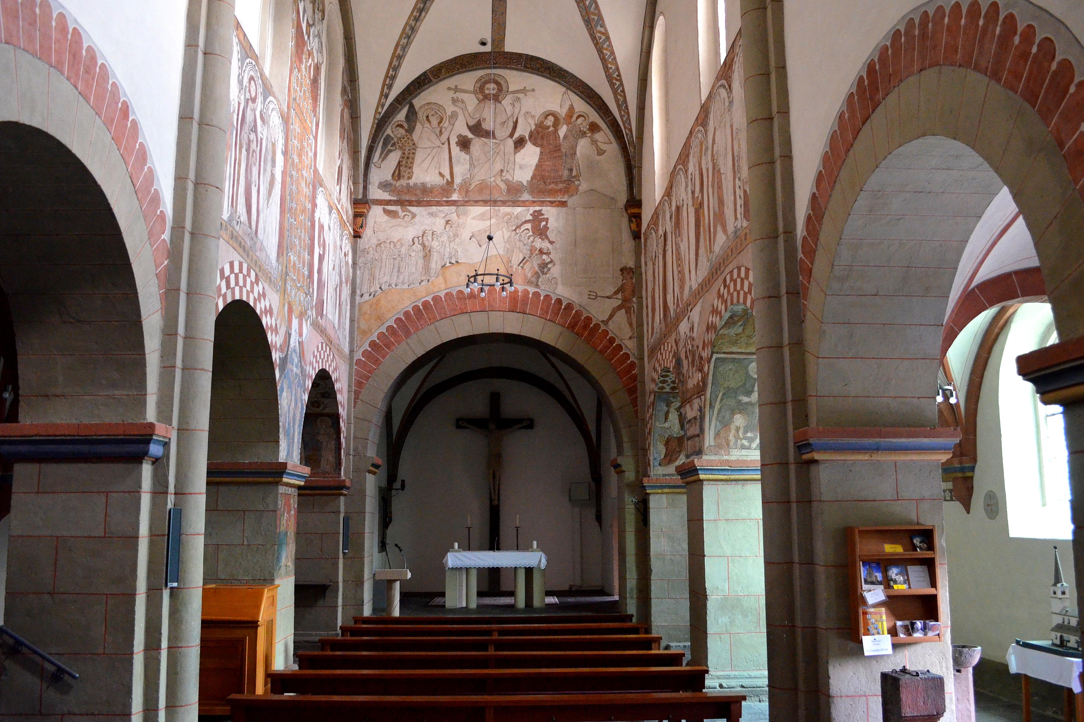 Datei mendig sint cyriacuskerk overzicht for Interieur wikipedia