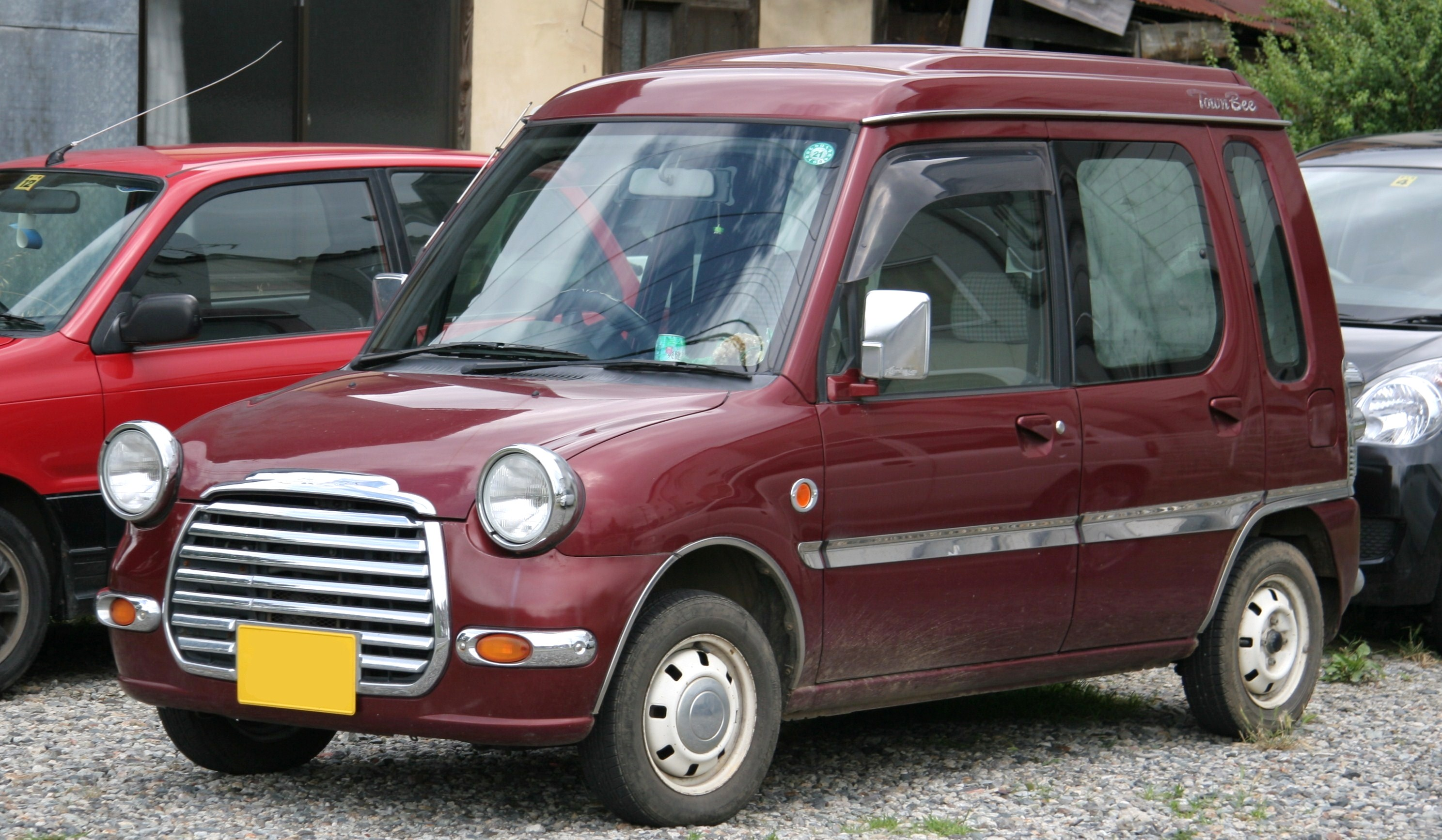 File:Mitsubishi Minica Toppo Town Bee.jpg - Wikipedia, the free ...