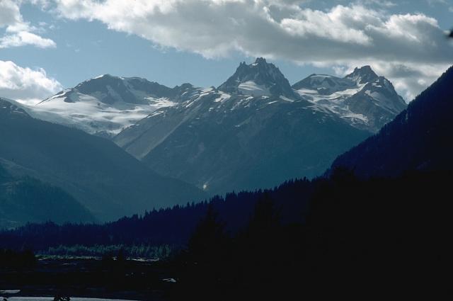3 4 Plugs >> Garibaldi Volcanic Belt - Wikipedia
