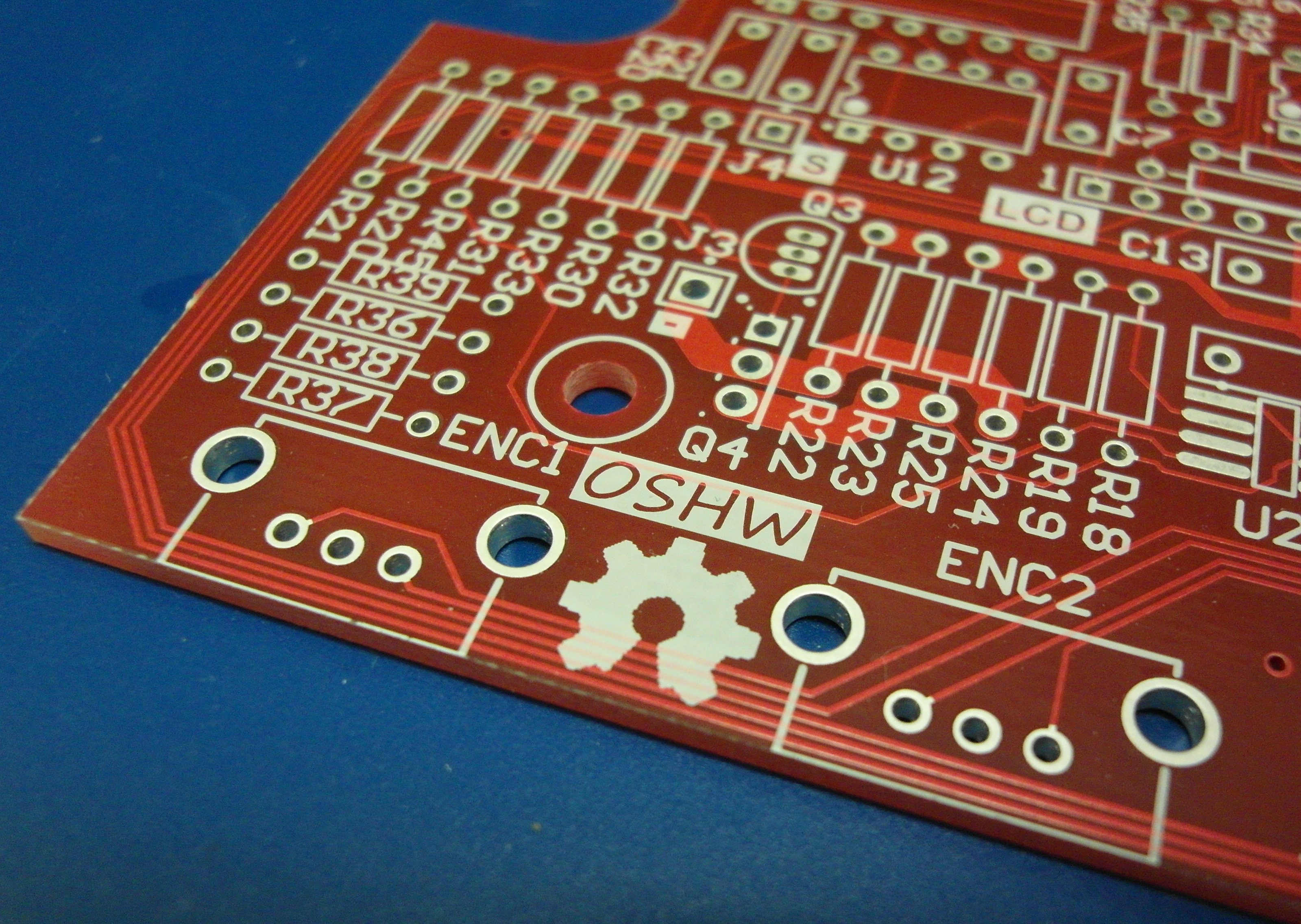 File:Open Source Hardware (OSHW) Logo on blank PCB.jpg - Wikimedia ...