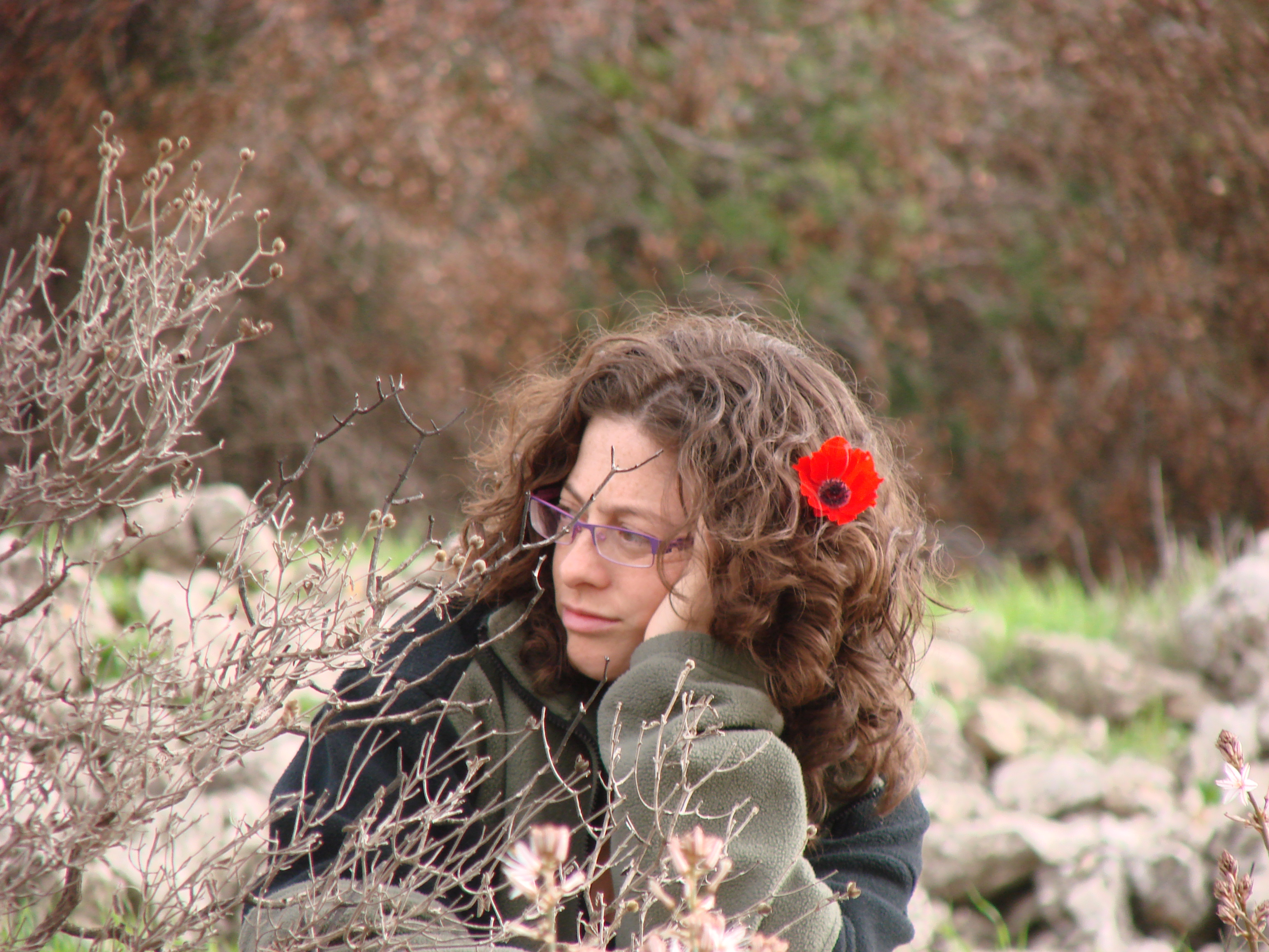 file:pikiwiki israel 38195 pretty girl in a hike at the begging of