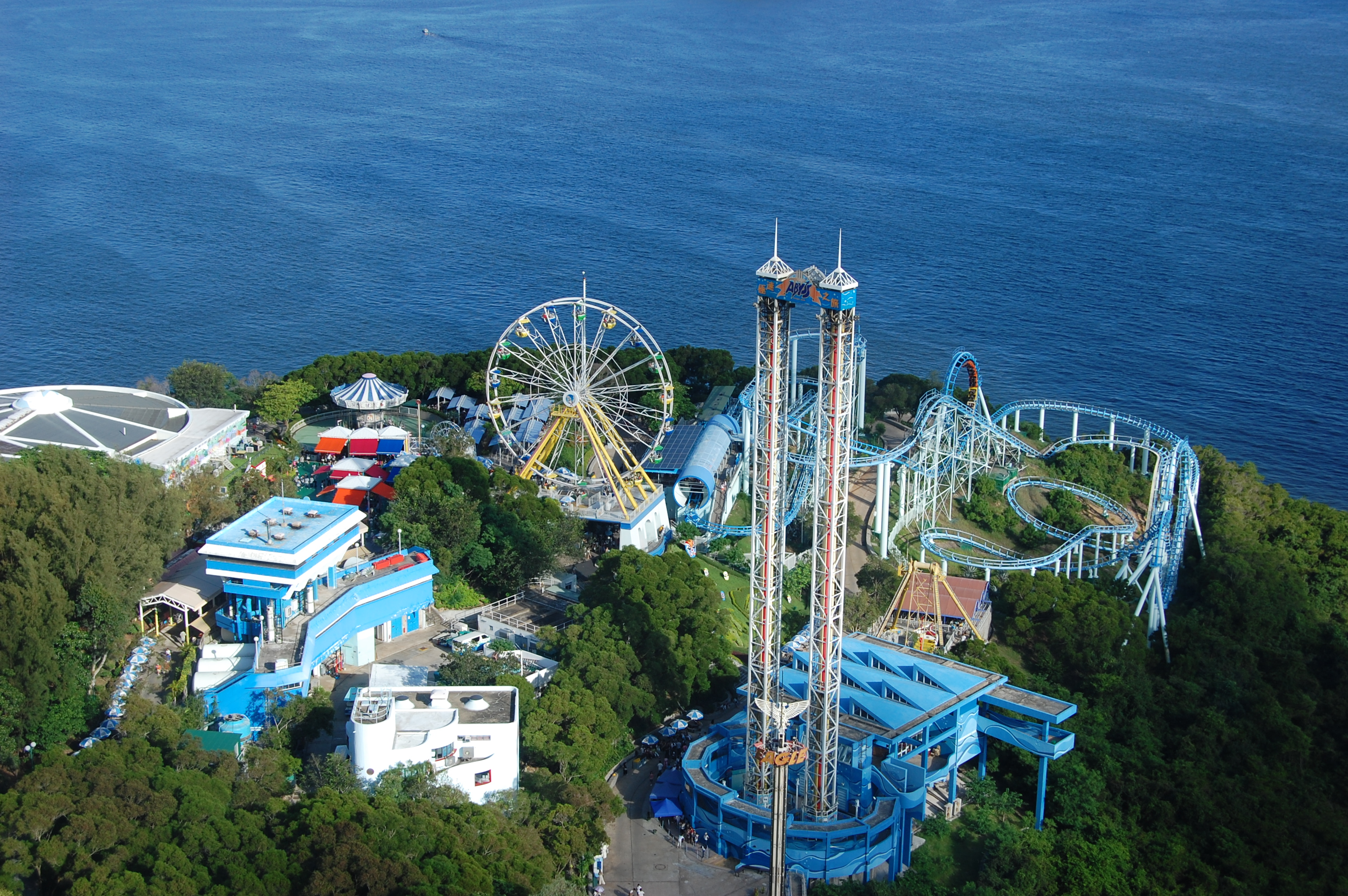 Amusement Parks by the sea? Count me in! Source: Wikimedia Commons