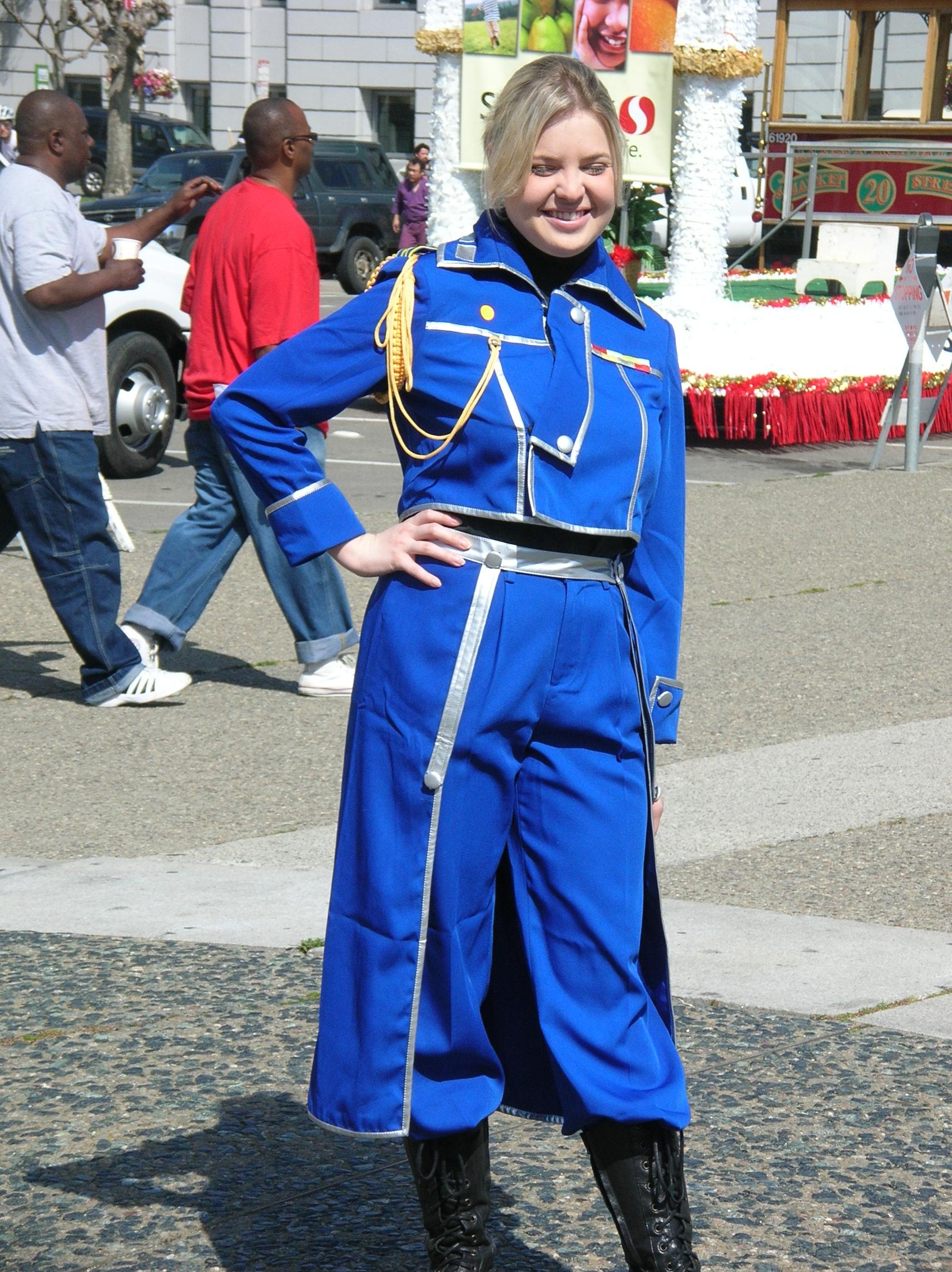 Riza Hawkeye cosplayer at 2010 NCCBF 2010-04-18 1.JPG