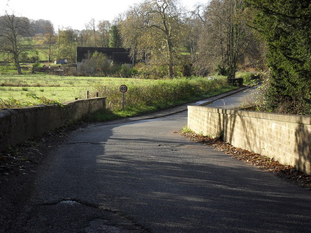 Road from Great Barrington to Little Barrington - geograph.org.uk - 1608497