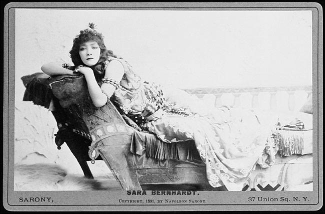 Sarah Bernhardt, quien bailó Andrómaca (aquí en 1891, como Cleopatra).