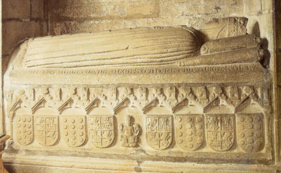 Sepulcro de la reina Juana de Castro, segunda esposa de Pedro I el Cruel, rey de Castilla y León (Catedral de Santiago de Compostela).jpg