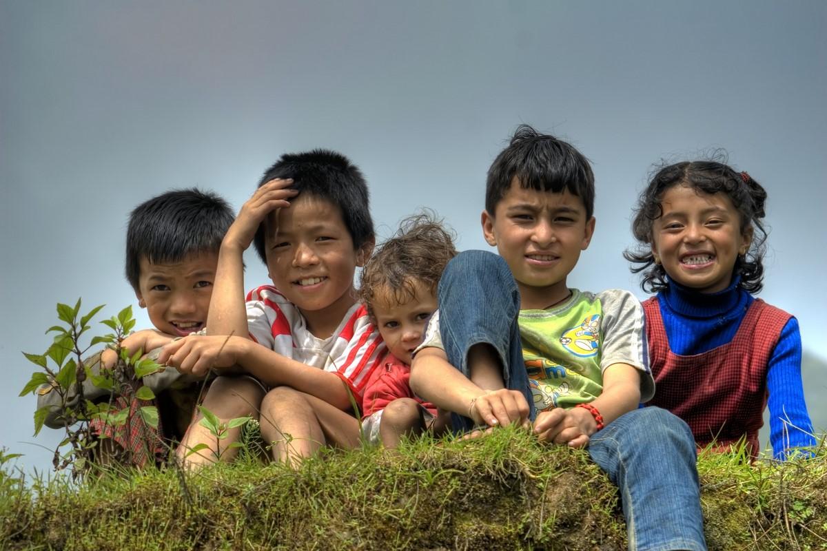 File:Smiling Children ...