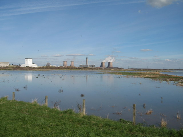 Spring Tide at Widnes Warth - geograph.org.uk - 374362
