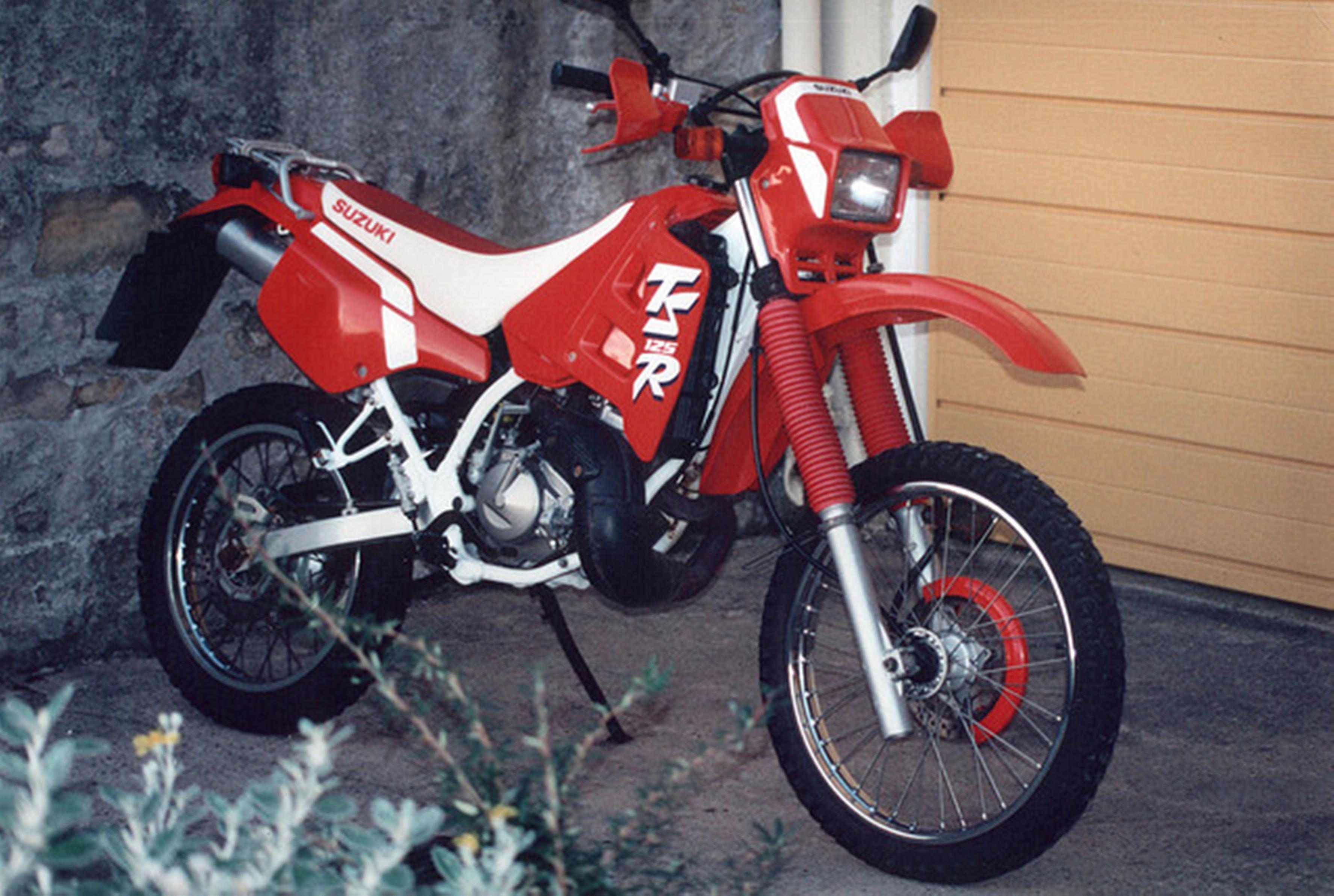 File:Suzuki TS 125 R 1991 jpg - Wikimedia Commons
