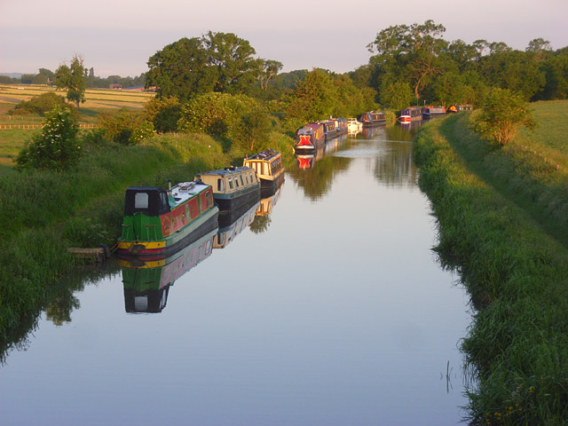 The Kennet and Avon Canal, Wilcot - geograph.org.uk - 842631