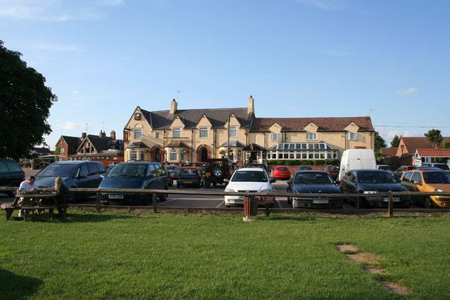The Unicorn Hotel, Trentside, Gunthorpe - geograph.org.uk - 1395544