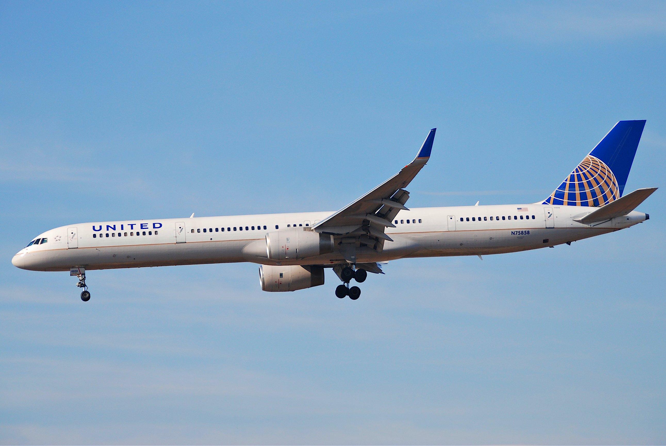 United boeing 757 300