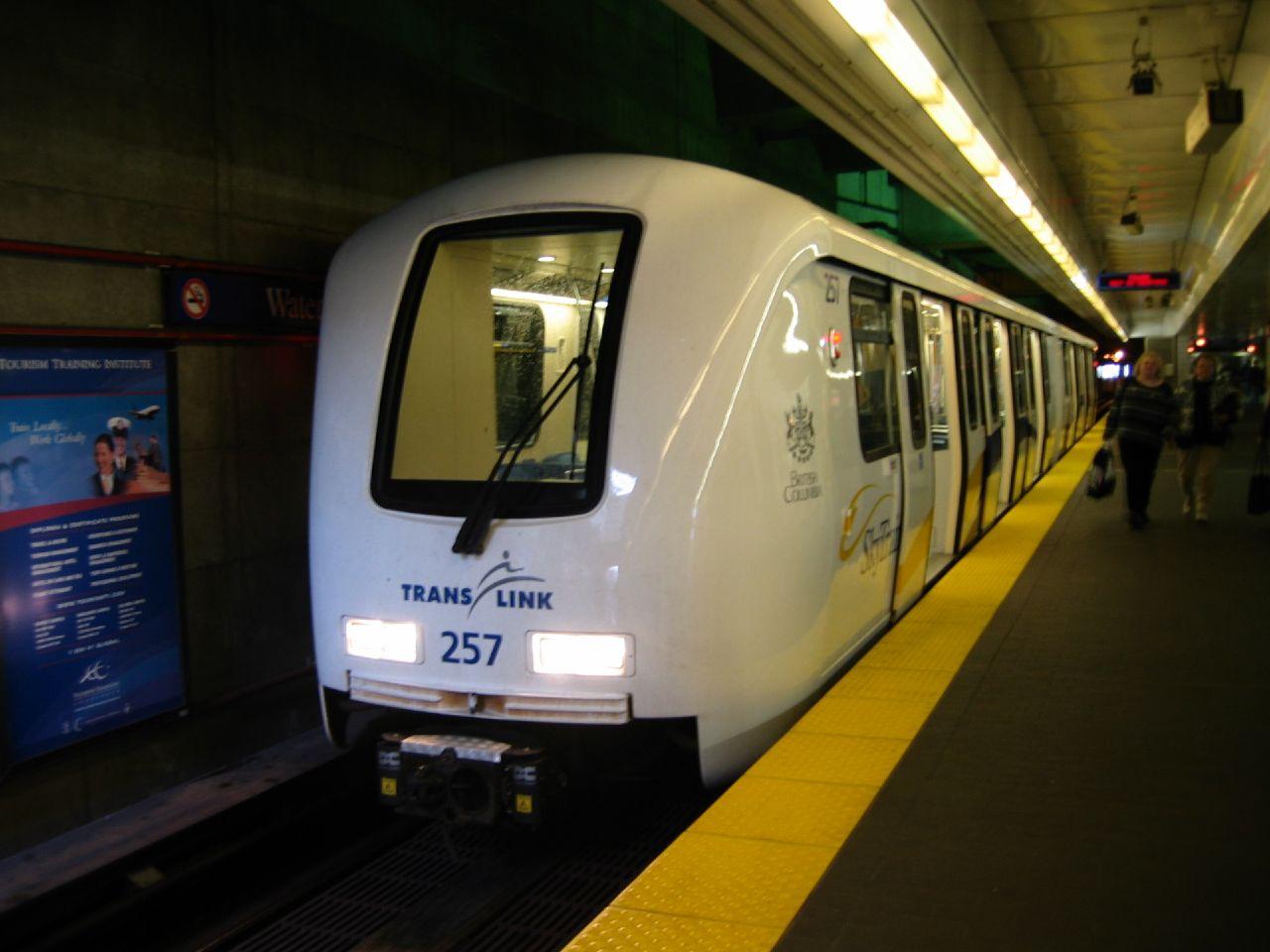 Vancouver Skytrain (Wikimedia Commons)