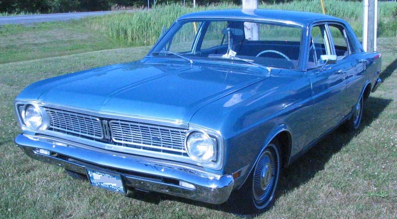 File  2768 Ford Falcon Sedan  Auto classique VAQ Mont St Hilaire  2711