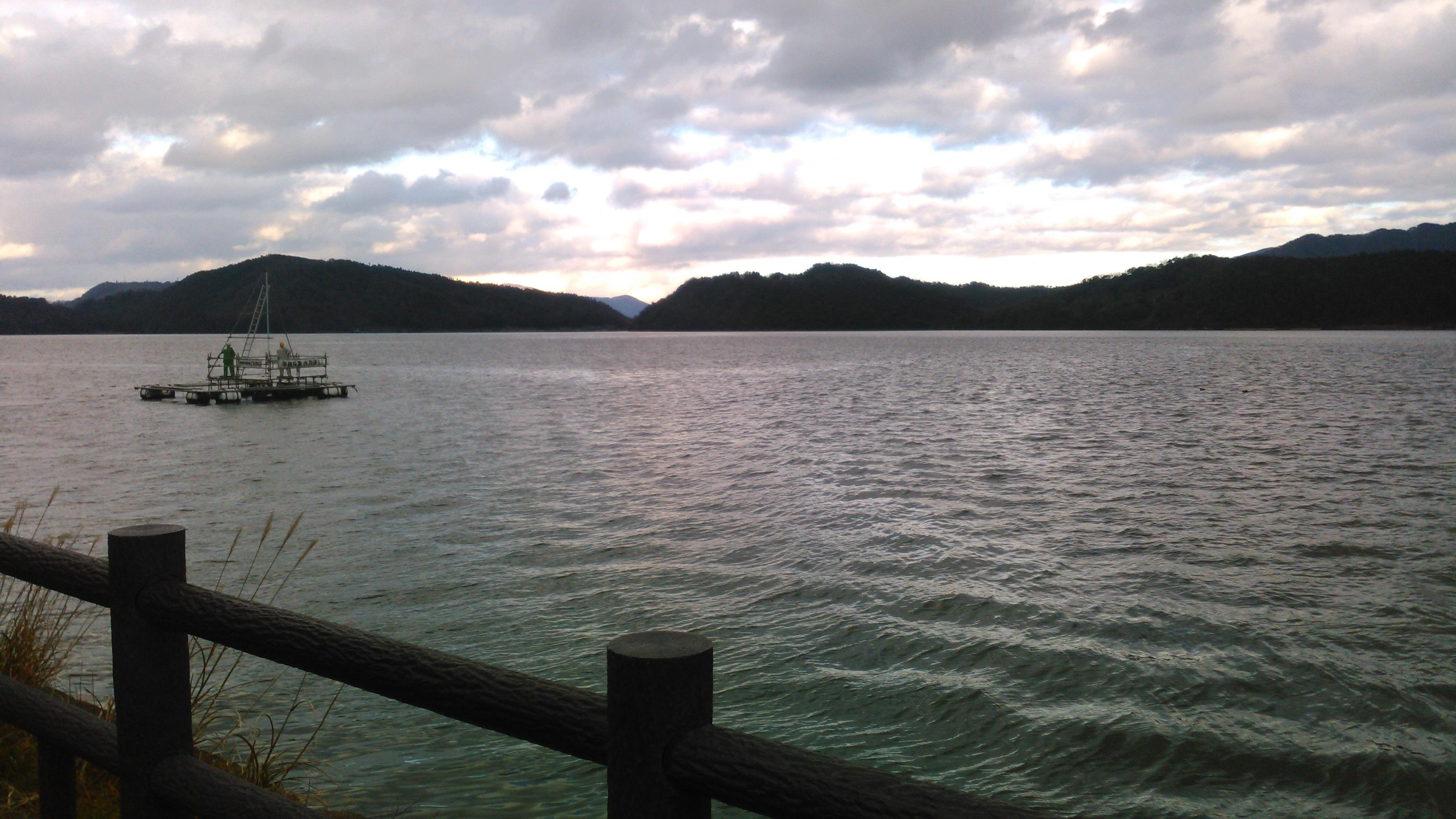 五 湖 三方