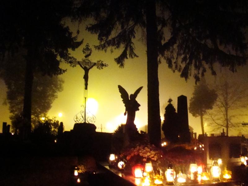 http://upload.wikimedia.org/wikipedia/commons/1/10/01214_All_Saints_Day_Sanok,_2011.jpg