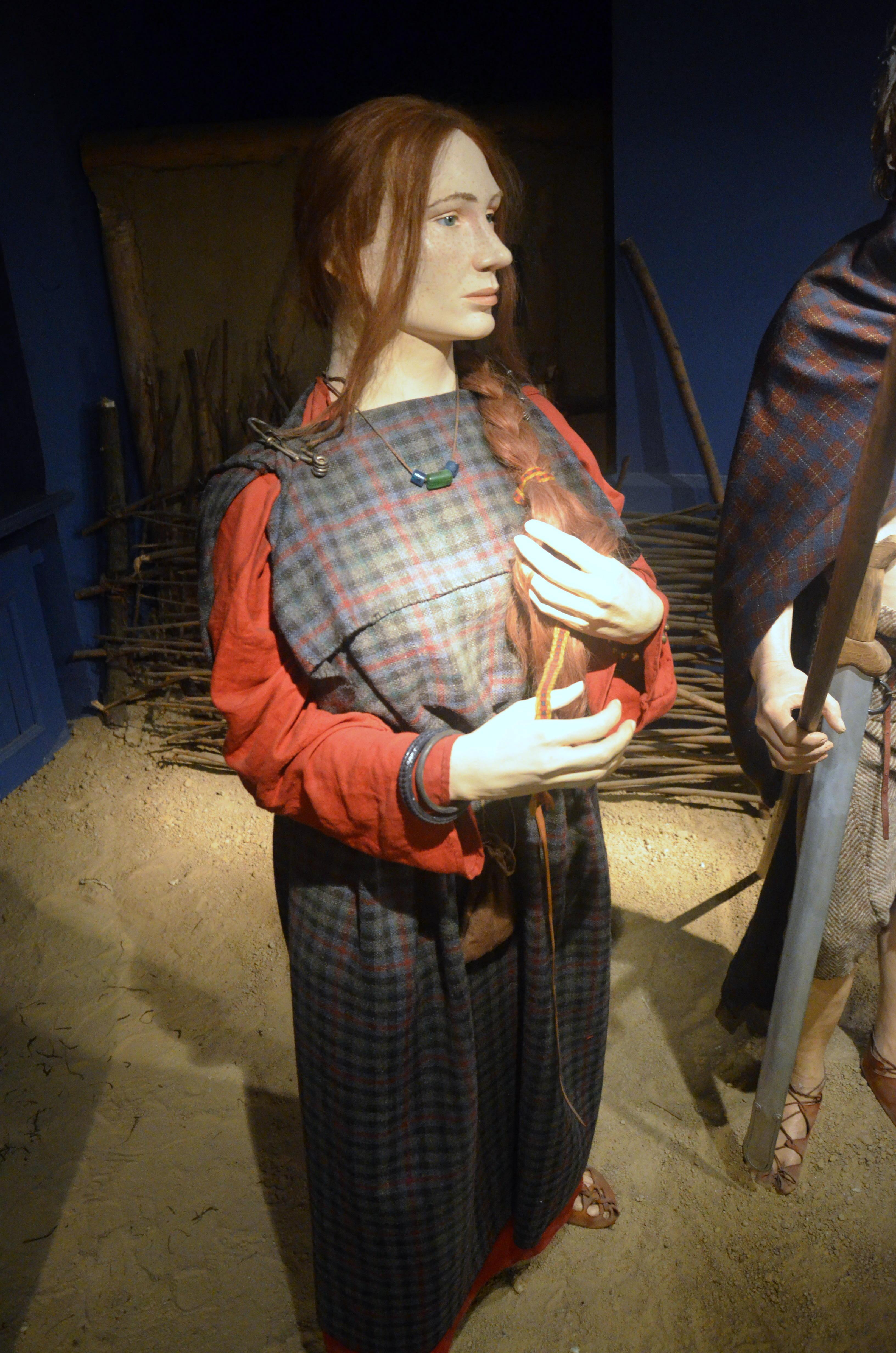Life In Celtic Ireland Women Tunic
