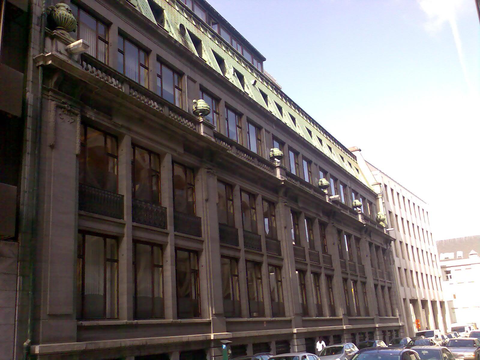 File 1930 caisse d 39 pargne bruxelles rue des boiteux for Architecte bruxelles