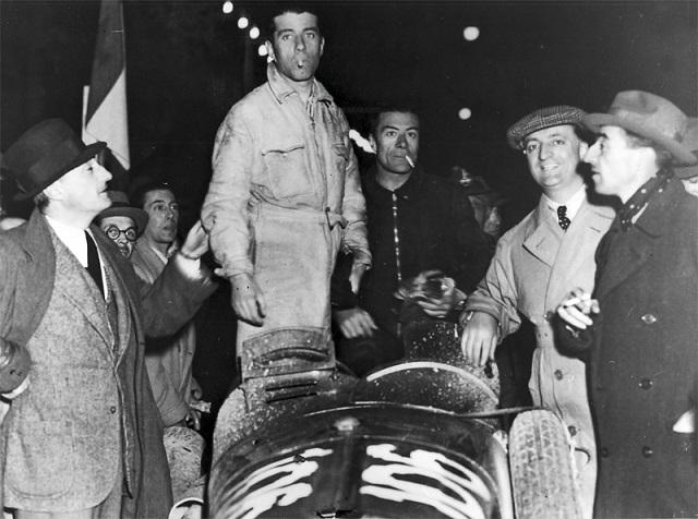 File:1935-04-14 Mille Miglia winners Alfa 8C 2900B Pintacuda e Della Stufa e Ferrari.jpg
