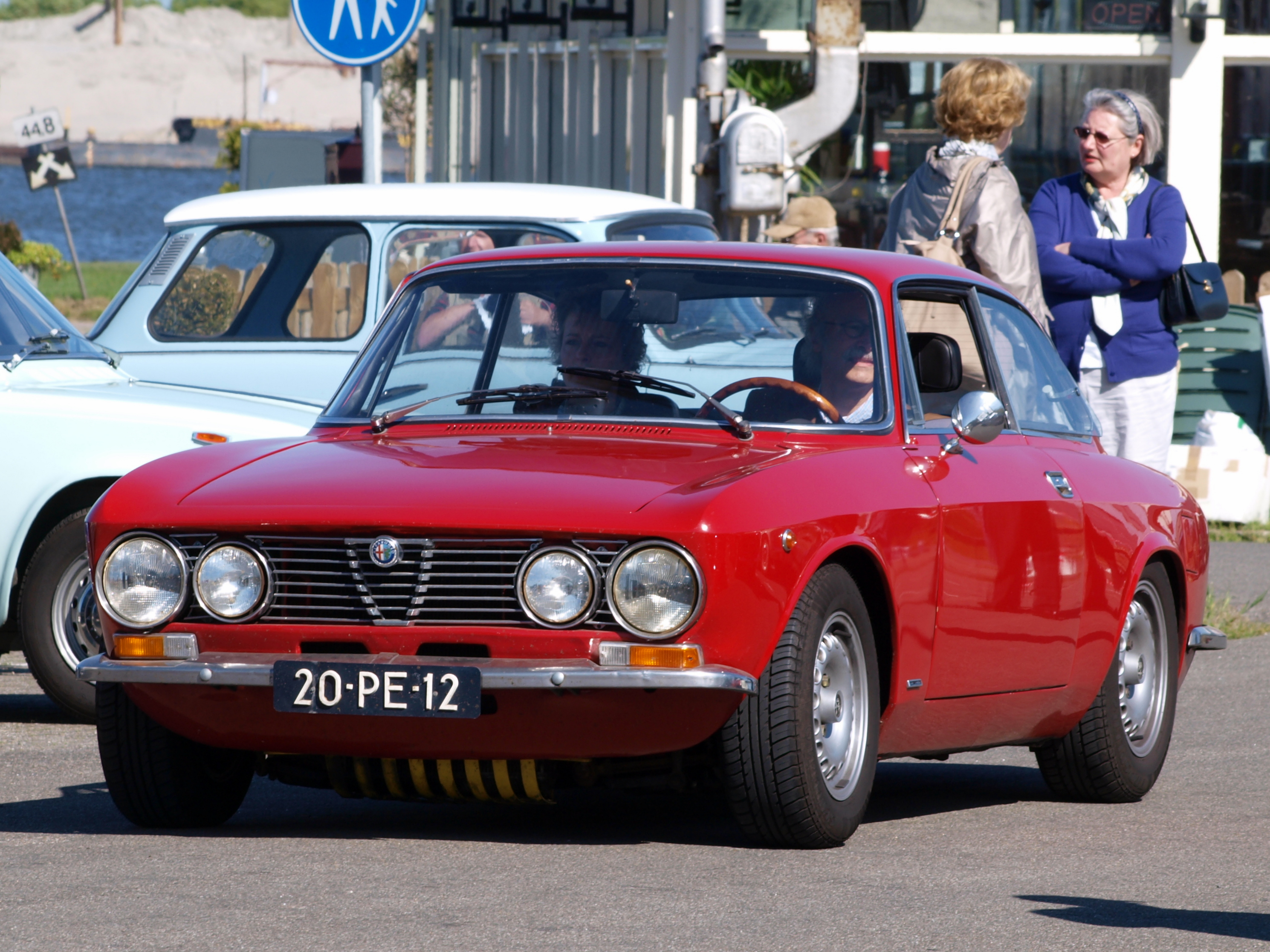 Alfa romeo giulia gt junior wikipedia
