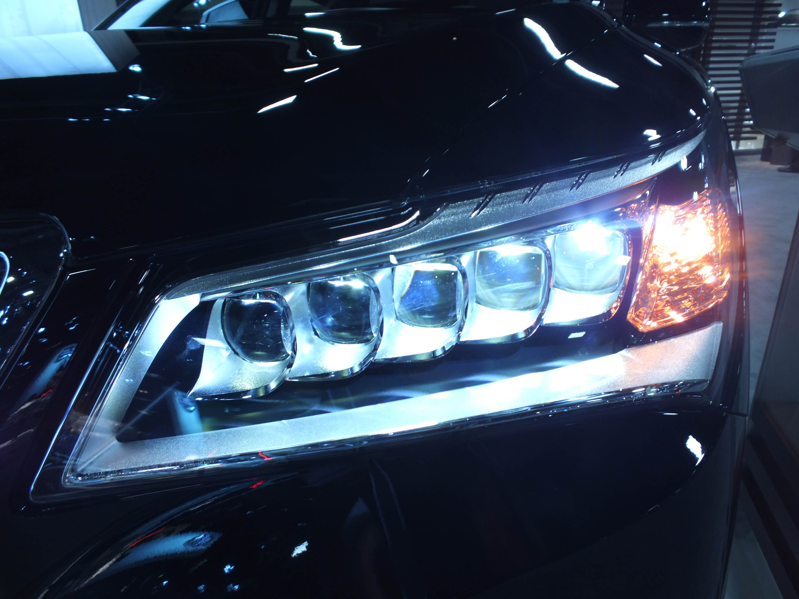File 2014 Acura Rlx Led Headlight Jpg Wikimedia Commons