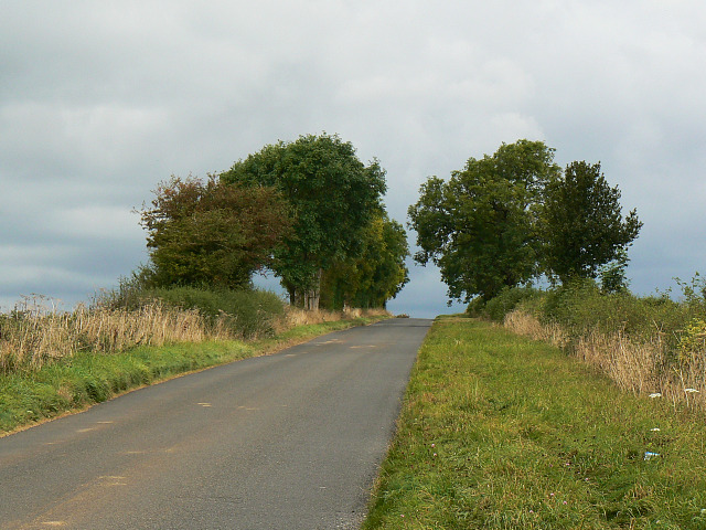 File:A closer look at the Chipping Norton Road, near Chadlington - geograph.org.uk - 1514854.jpg