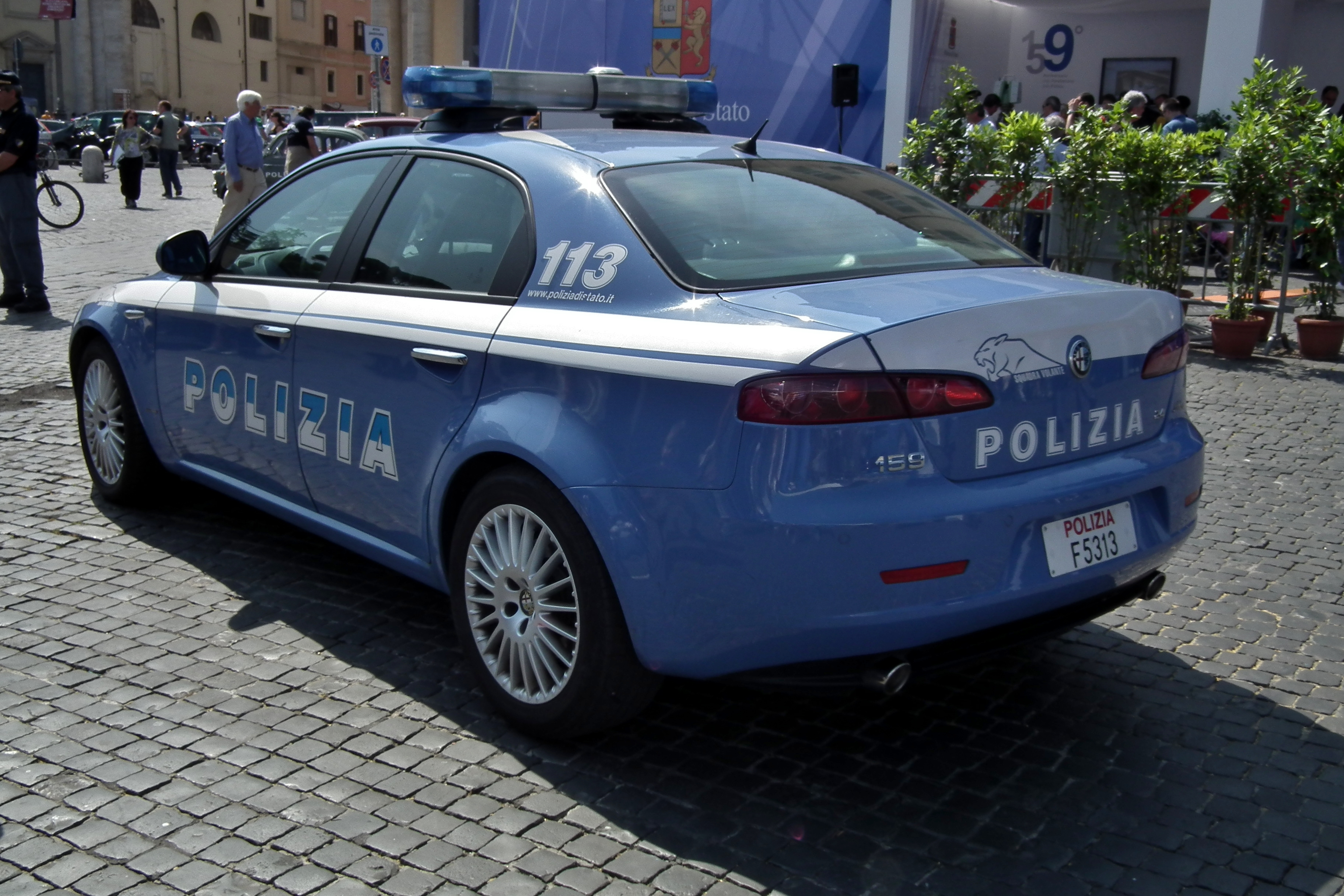 File:Alfa Romeo 159 - Polizia di Stato (5892680406).jpg ...