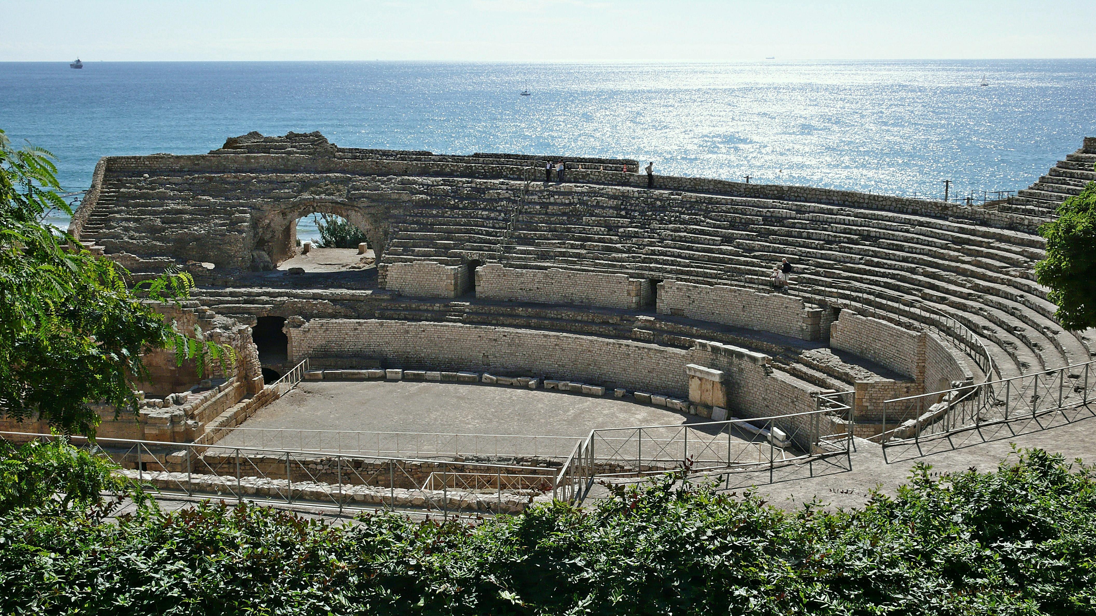 File:Anfiteatro romano-tarragona-2008 (3).JPG - Wikimedia Commons
