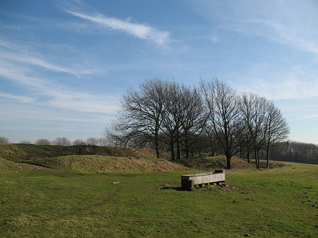 Approaching Cadbury Camp ramparts - geograph.org.uk - 697218