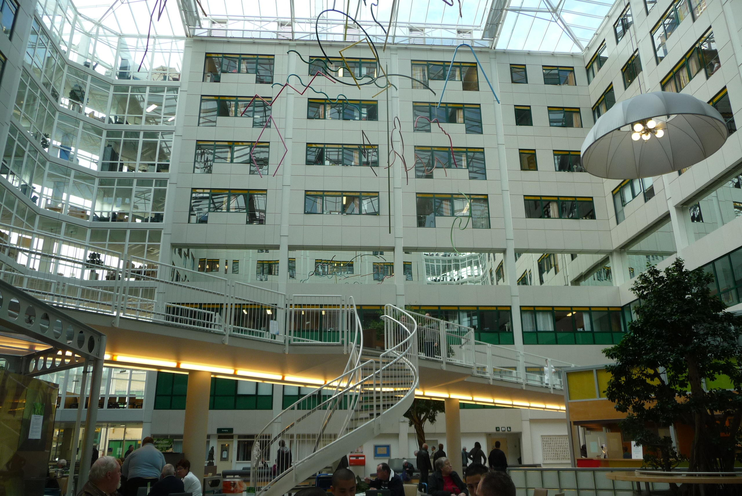 File atrium of rijnstate hospital in arnhem with for Arnhem restaurant