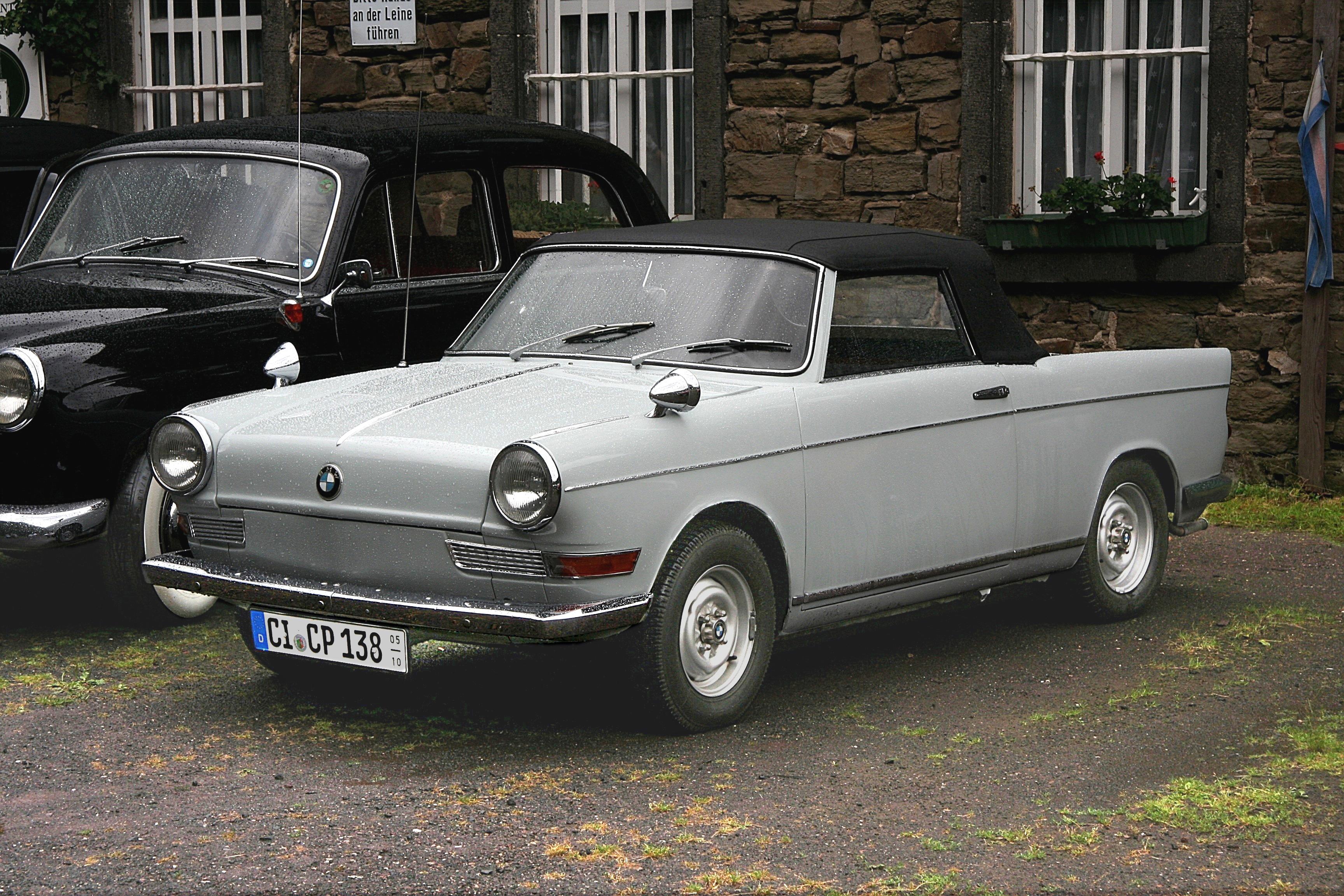 BMW 700 —