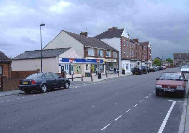 File:Beach Road, Severn Beach - geograph.org.uk - 444425.jpg