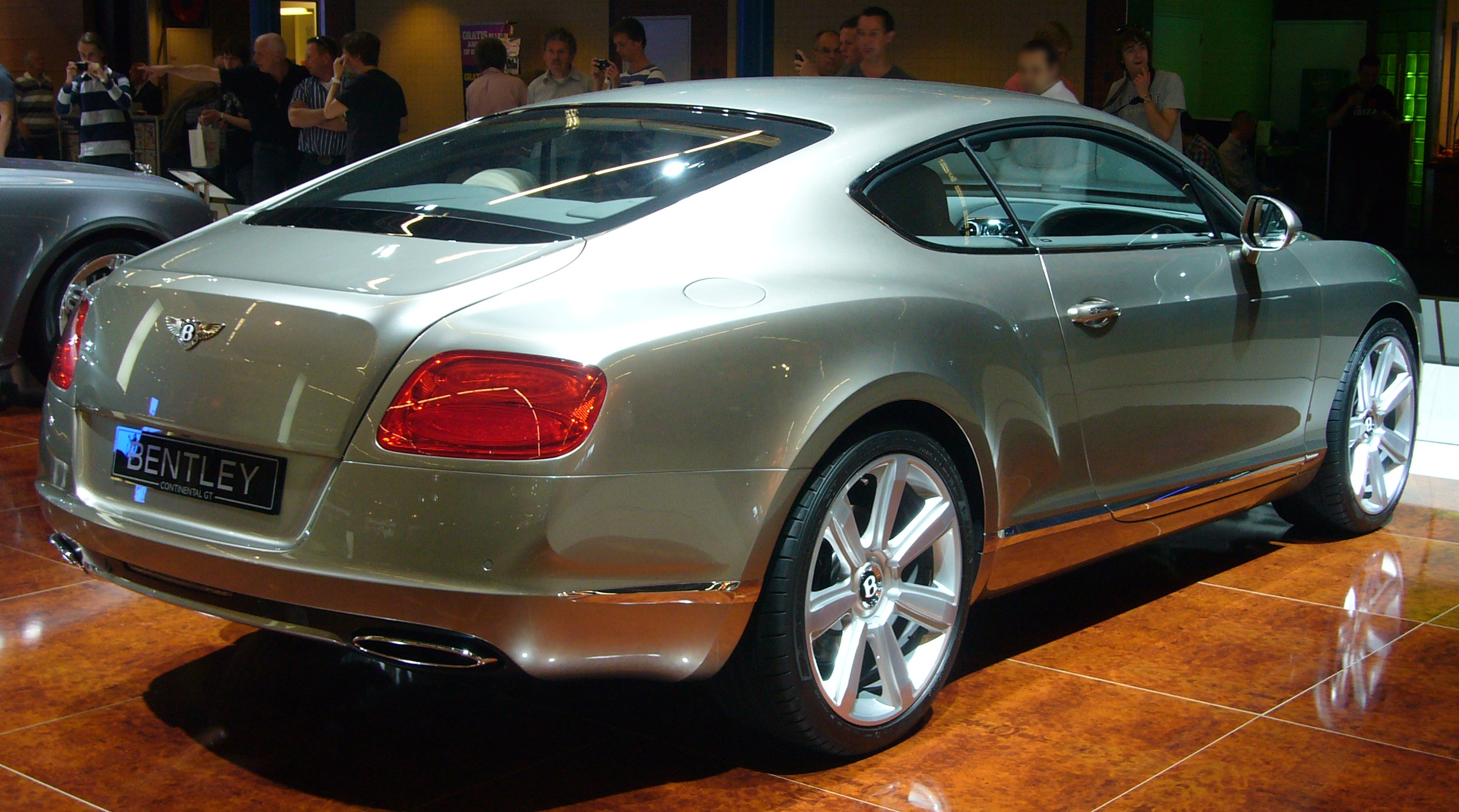 Filebentley continental gt rear quarterg wikimedia commons filebentley continental gt rear quarterg vanachro Image collections