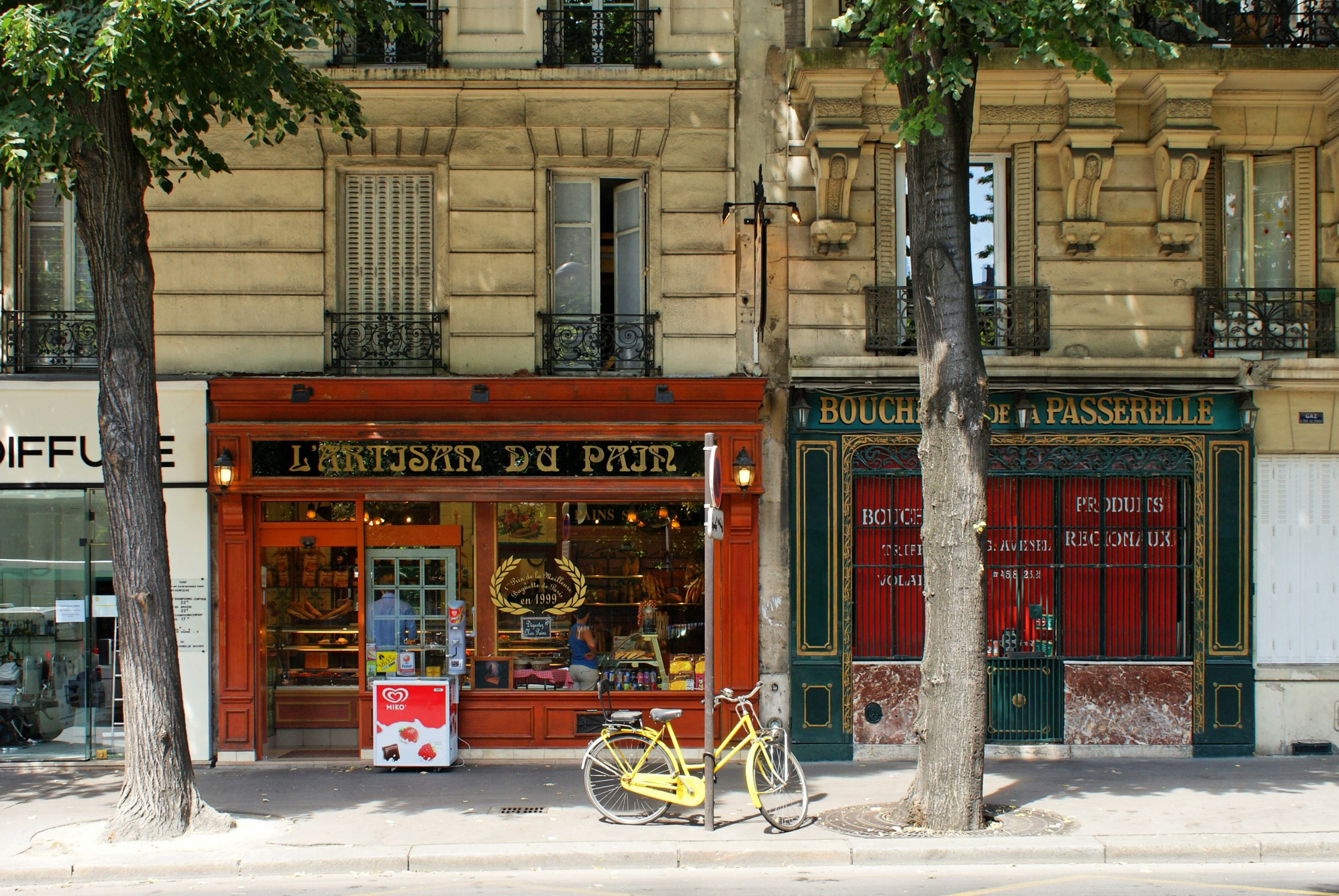 The best shopping places in paris fashion boutiques and shoe shops - Paris shopping boutiques ...